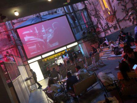 Sala equis cines