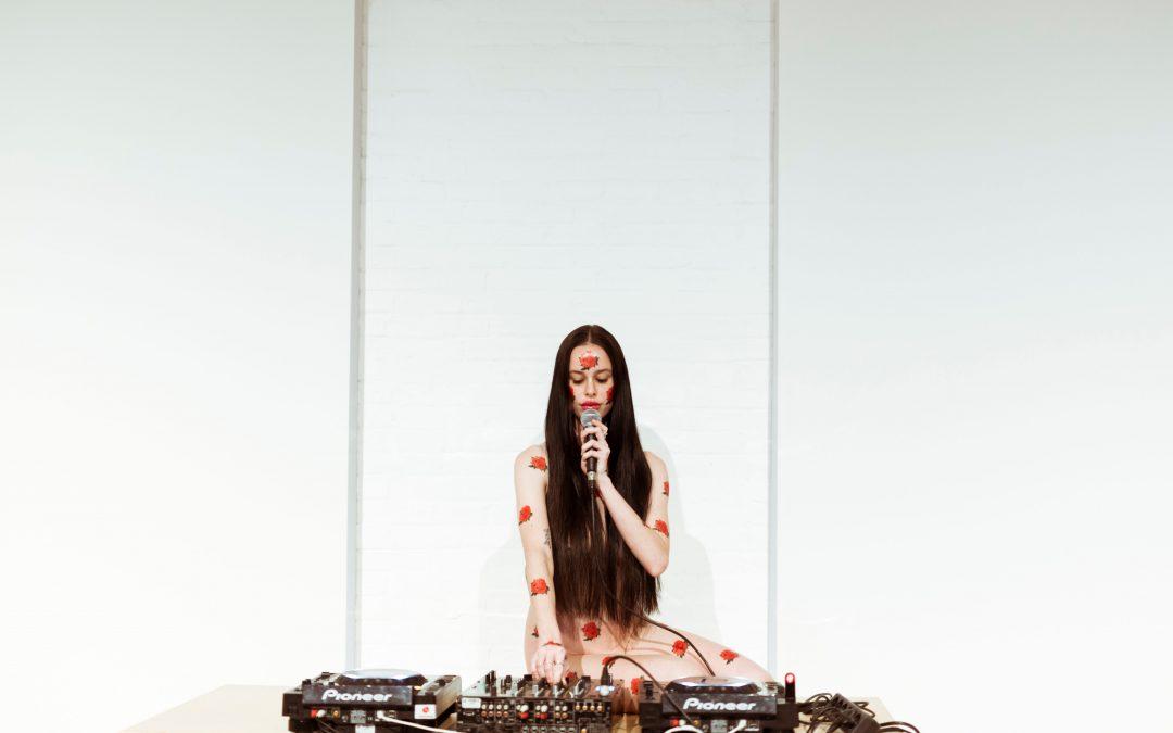 MIRA Digital Arts Festival: Proyecciones, sesiones DJ y conferencias